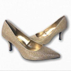 5/$25🌻 | FIONI Night Gold Pointed Toe Kitten Heel